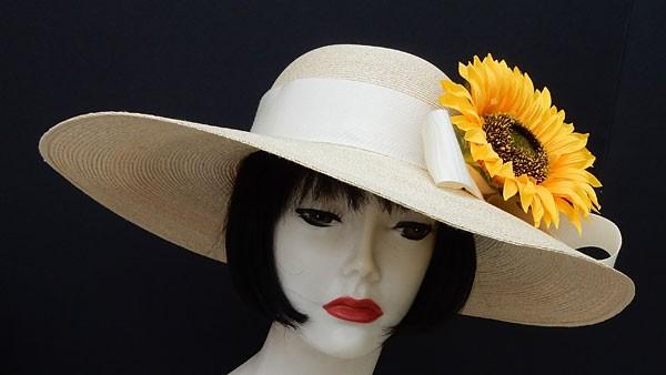 """Beige 5.5"""" Picture Hat-Sunflower"""
