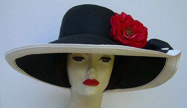 """Black/White 6"""" Pleated Brim UP/ Red Roses"""