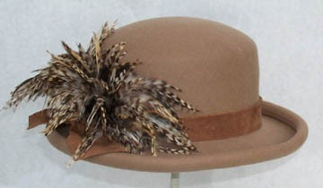 Camel Derby/ Veriegated Feather