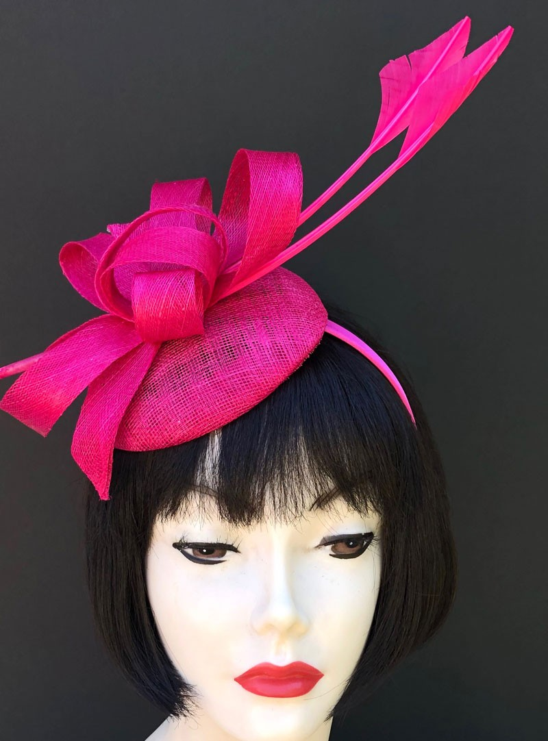 dc60dfae5f821 Hot Pink Feather Fascinator