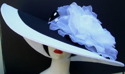 """Black & White 8"""" Brim / XL White Rose/ Dot Ribbon"""